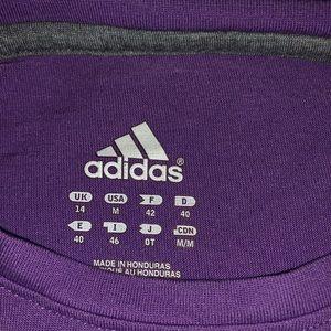 adidas Tops - Women med adidas t-shirt
